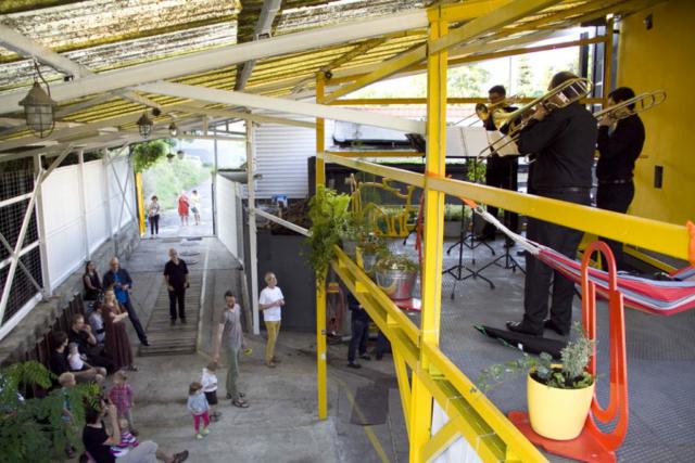 Wiata w Studio Trakcja, koncert zespołu TrombQuartet